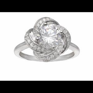 Jewelry - Women's ring🌟